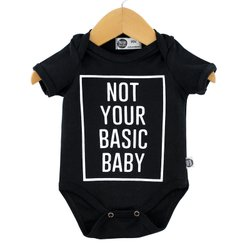 Body de Bebê Manga Curta Unissex Not Your Basic Baby Fundo Preto