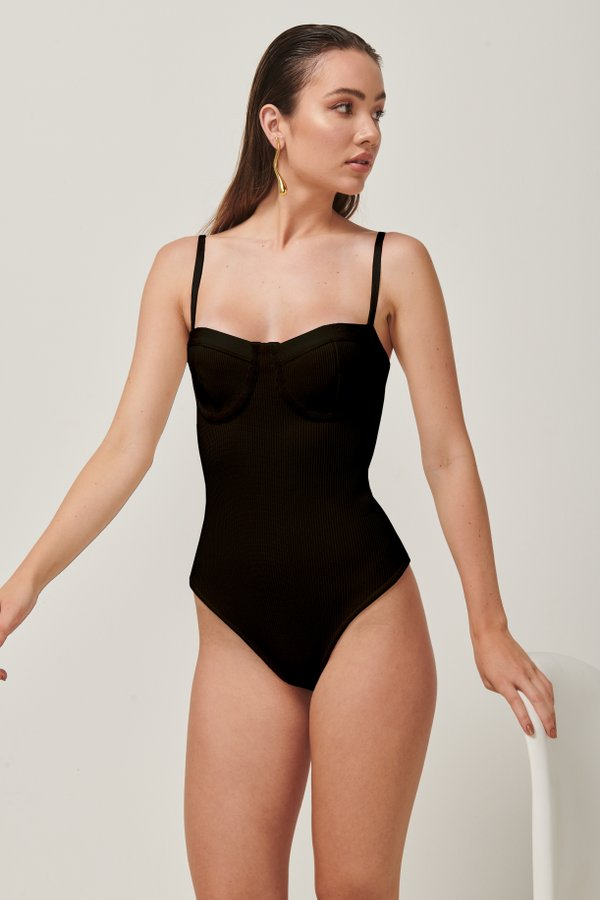 Foto do produto Body Tricot Vik Preto | Vik Tricot One-Piece Black