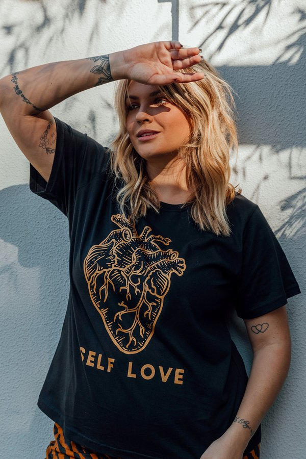 Foto do produto T-SHIRT SELF LOVE