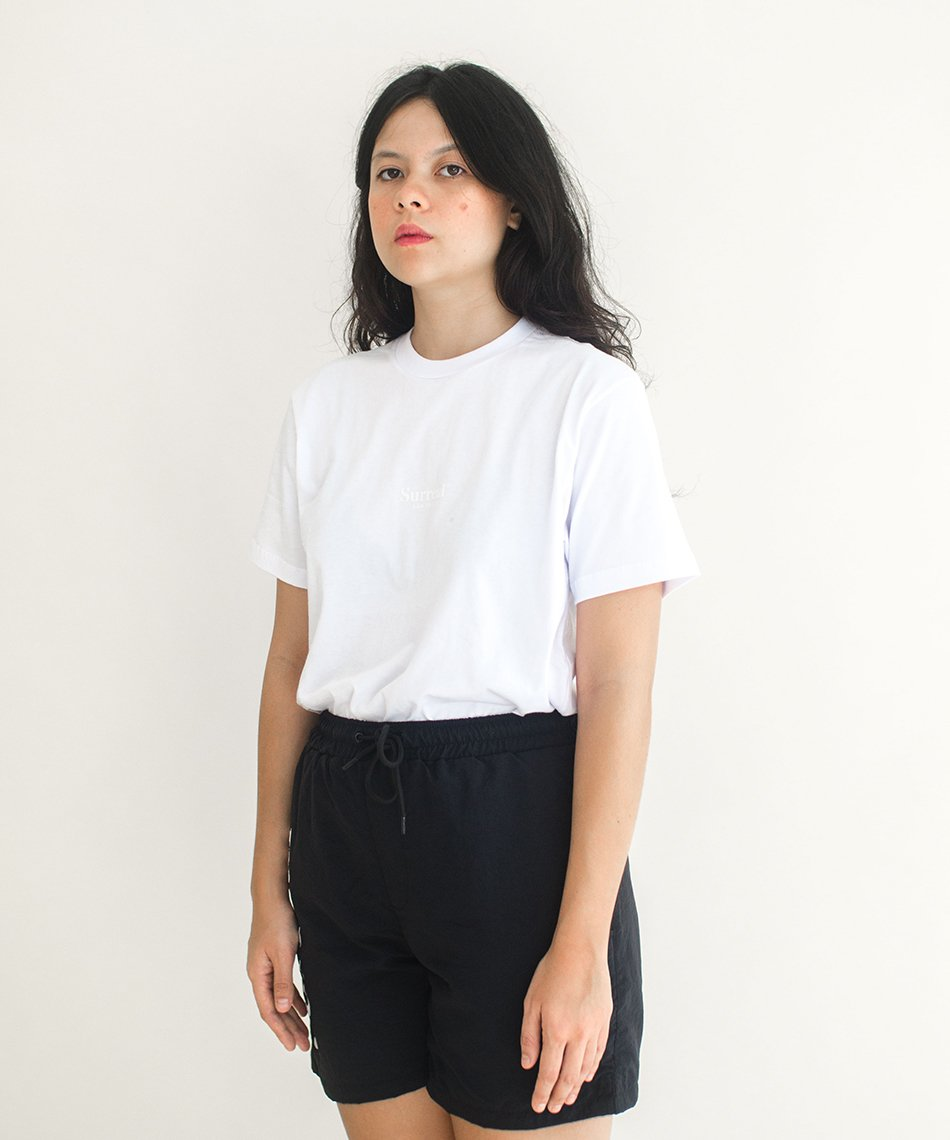 Camiseta Surreal Basics Branca